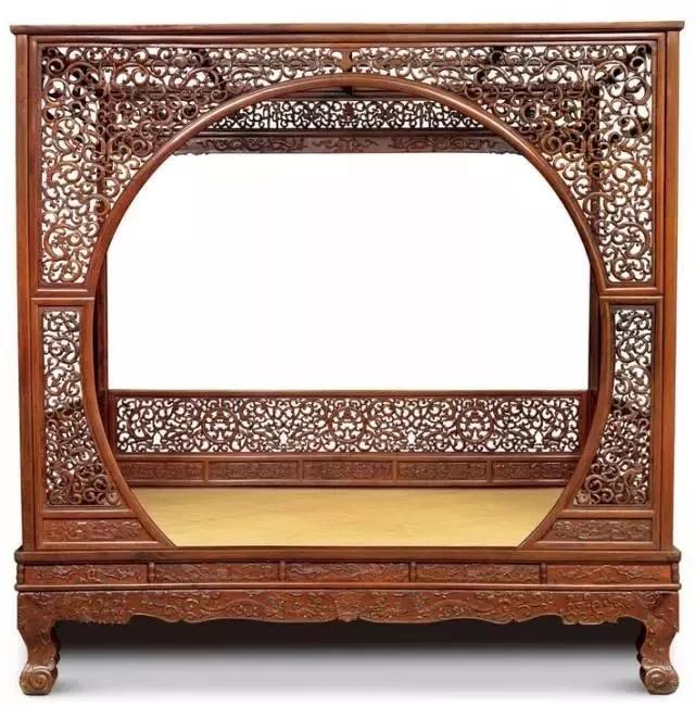 清 黄花梨镂雕螭龙纹月洞门罩式架子床