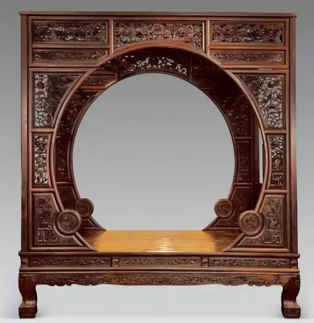 清 黄花梨镂雕螭龙纹月洞门罩式架子床2