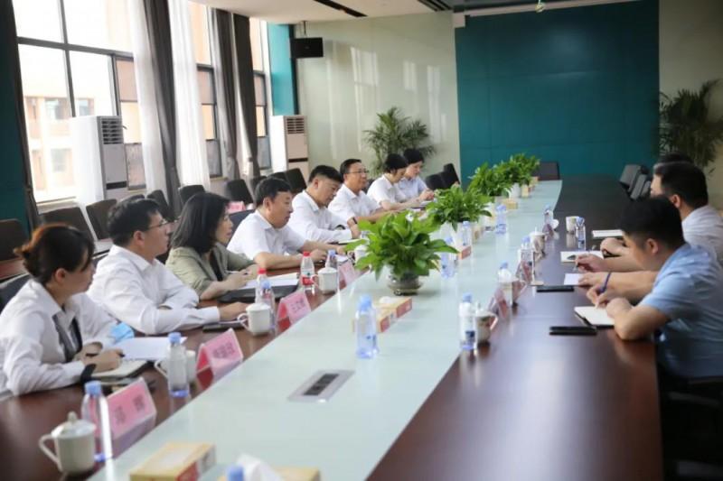 马健雄高度赞扬了南康家具产业