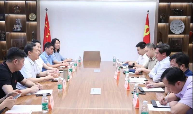 赣州市南康区委书记何善锦一行访问中国家具协会2